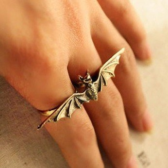 DOUBLE FINGER BAT RING