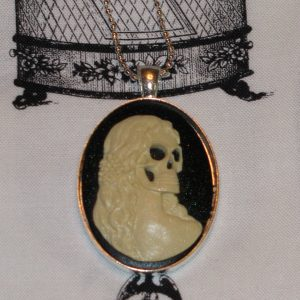 VICTORIAN LADY SKELETON CAMEO NECKLACE