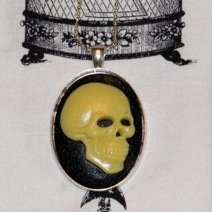 SKULL CAMEO NECKLACE - NATURAL BONE/BLACK