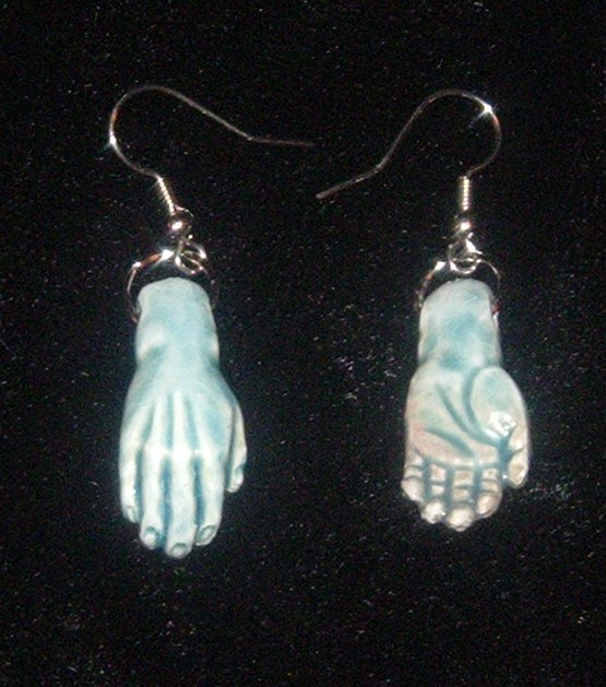CORPSE HANDS EARRINGS