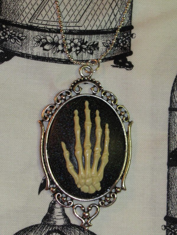VICTORIAN SKELETAL HAND NATURAL BONE CAMEO NECKLACE